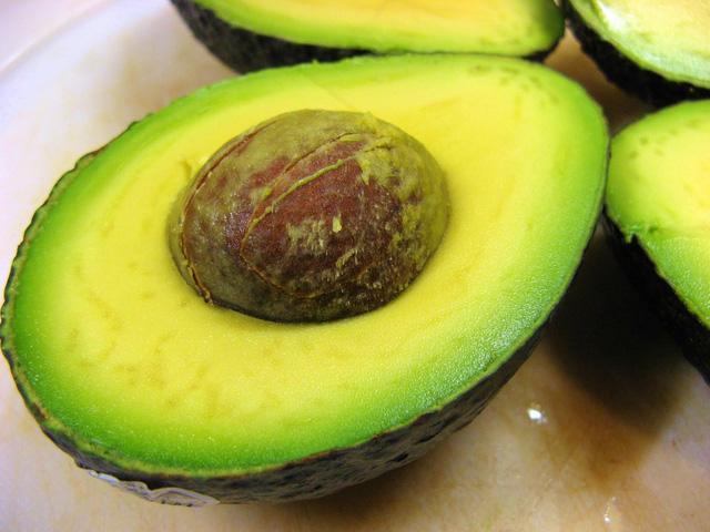 Những loại quả dễ khiến cân nặng tăng nhanh, nhiều người thản nhiên ăn mà không biết